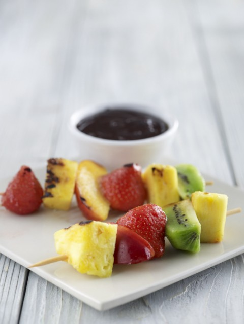 FB-Fruit-Kebabs-w-Chocolate-Sauce_p [640x480].jpg